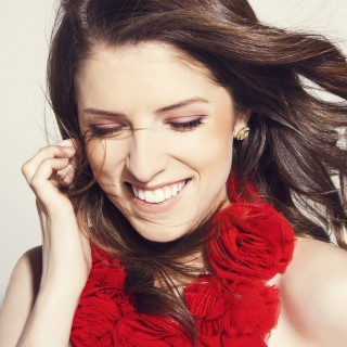 Anna Kendrick download wallpapers