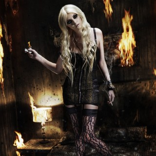 Taylor Momsen high resolution wallpapers