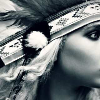 Juno Temple download wallpapers