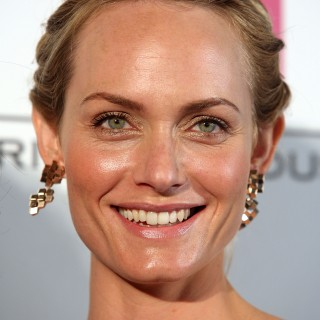 Amber Valletta download wallpapers