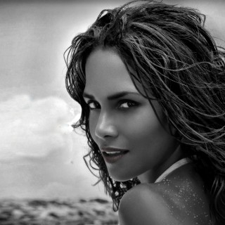 Halle Berry high resolution wallpapers