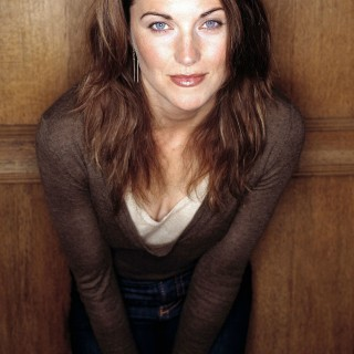 Lucy Lawless wallpapers widescreen