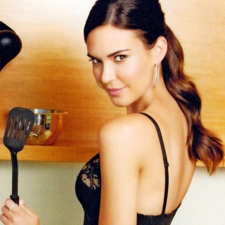 Odette Annable download wallpapers