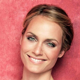 Amber Valletta free wallpapers