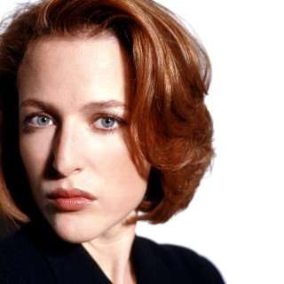 Gillian Anderson download wallpapers