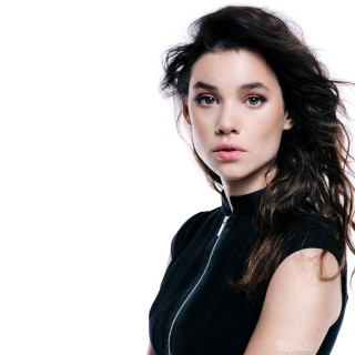 Astrid Berges-Frisbey high resolution wallpapers