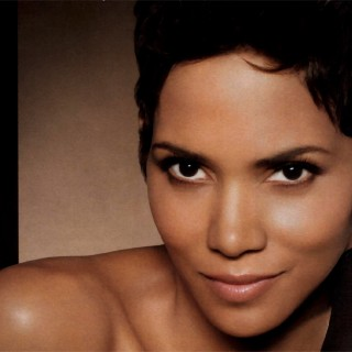 Halle Berry free wallpapers
