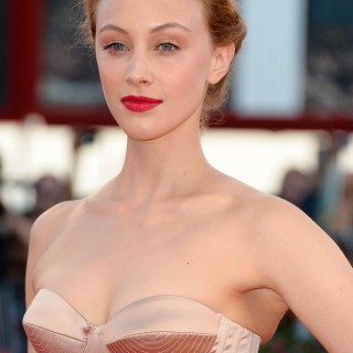 Sarah Gadon high definition wallpapers
