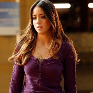 Chloe Bennet download wallpapers