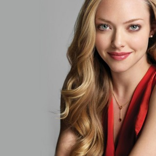 Amanda Seyfried background