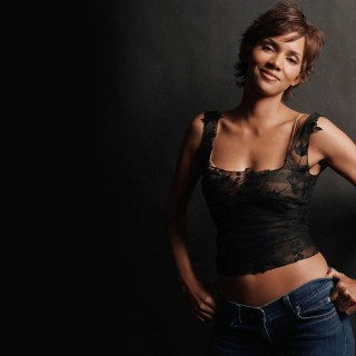 Halle Berry hd