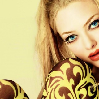 Amanda Seyfried download wallpapers