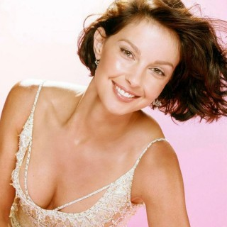 Ashley Judd download wallpapers