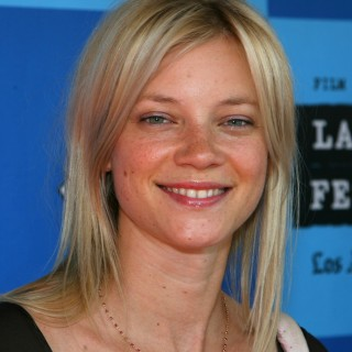 Amy Smart high resolution wallpapers