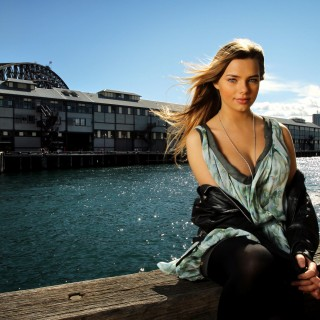 Indiana Evans pictures