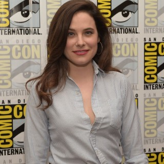 Caroline Dhavernas wallpapers