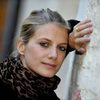 Melanie Laurent wallpapers