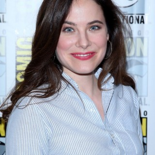 Caroline Dhavernas download wallpapers