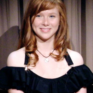Molly C Quinn pictures