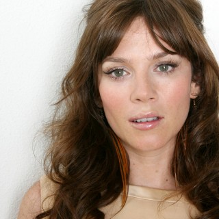 Anna Friel background