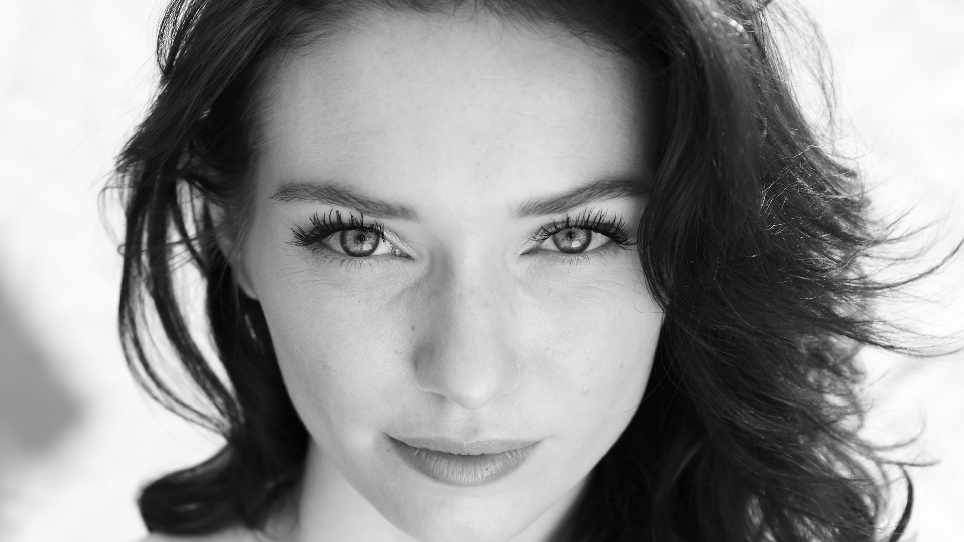 Eleanor Tomlinson HD Wallpapers