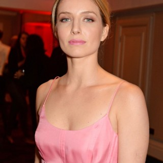 Annabelle Wallis new