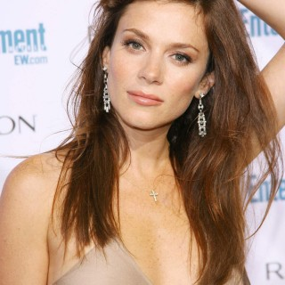 Anna Friel download wallpapers