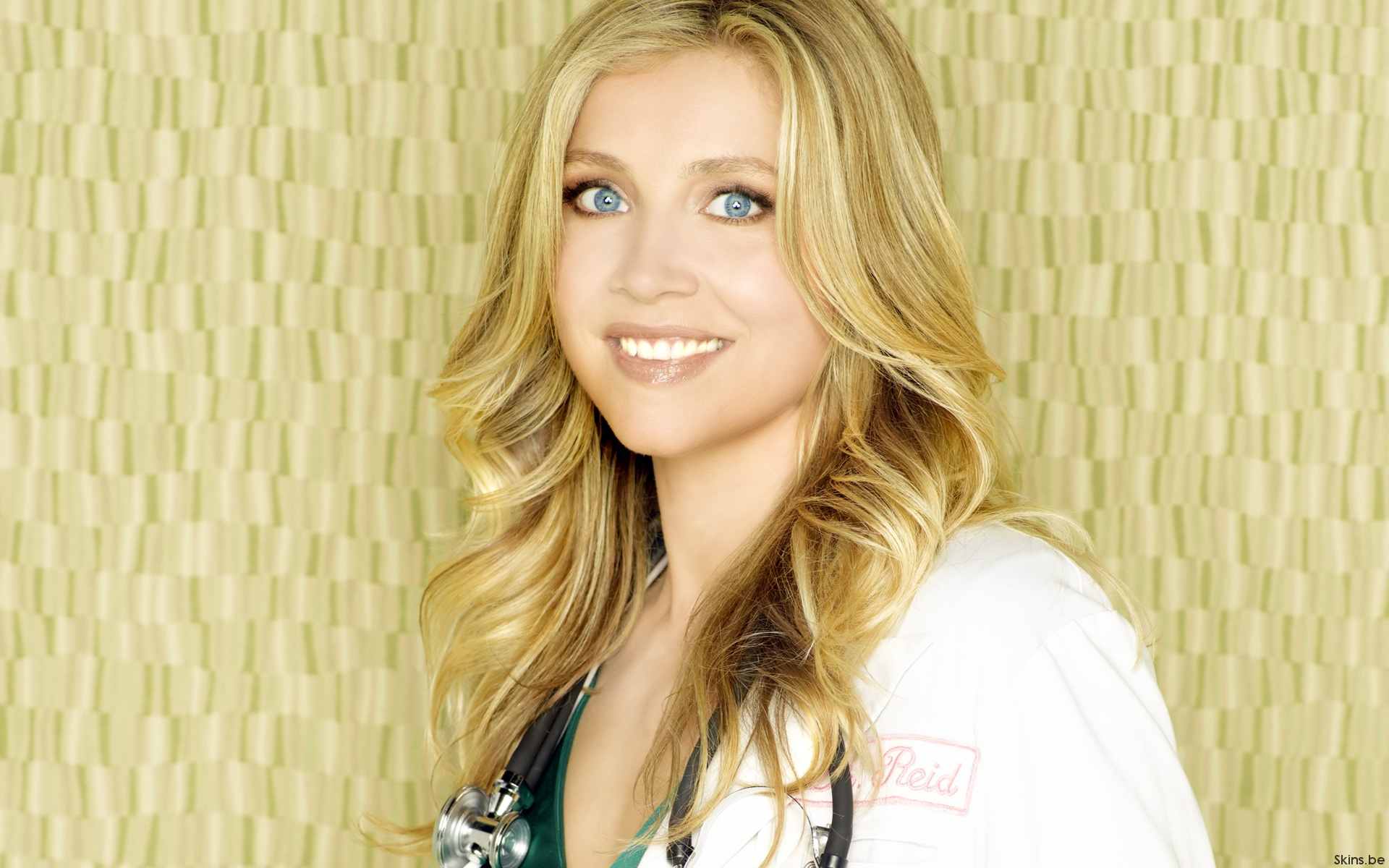 Sarah Chalke high resolution wallpapers