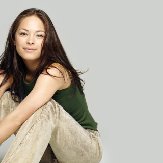 Kristin Kreuk download wallpapers
