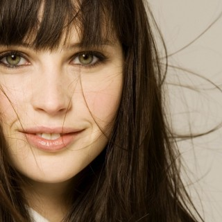 Felicity Jones widescreen