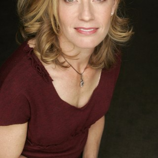 Elisabeth Shue download wallpapers