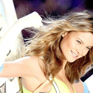 Behati Prinsloo background