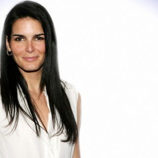 Angie Harmon wallpapers widescreen