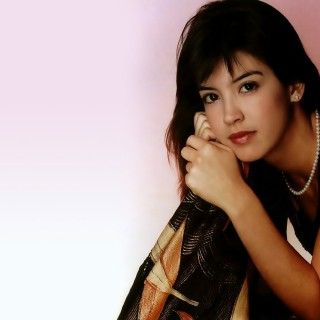 Phoebe Cates new