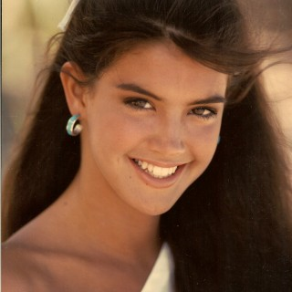 Phoebe Cates hd wallpapers