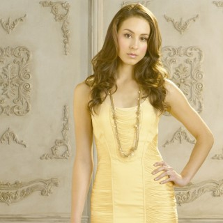 Troian Avery Bellisario wallpapers widescreen