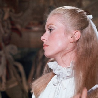 Catherine Deneuve widescreen
