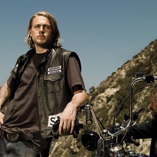 Charlie Hunnam widescreen