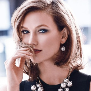 Karlie Kloss widescreen